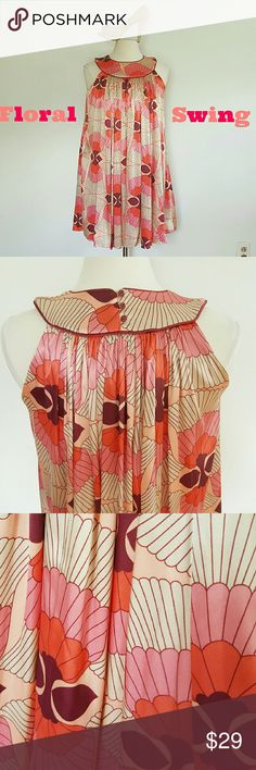 Zara 70's Floral Print dress Corals, nudes, pinks! 3 Button back closure, lined, 34in length Zara Dresses