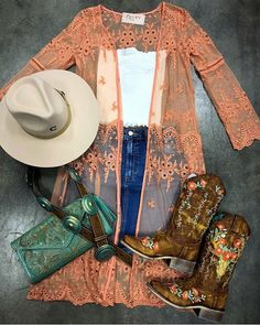 Cute Cowgirl Outfits, Country Concert Outfit, Country Style Outfits, Southern Outfits, Rodeo Outfits, Country Fashion, Outfits With Hats, Western Outfits, Western Wear