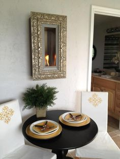 Vintage Picture Frames, Gold Walls, Hanging Fireplace, Pictures, Beautiful, Nice, Ideas, Dinner Room, Vintage Photo Frames