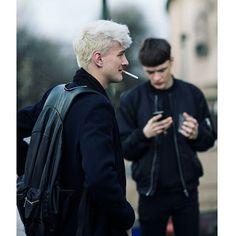 Milano fw 2016  #milano #fw #fashionweek #malemodel #model #backstage #streetstyle #stressedout #fashion #black #prada #whitehair #cigarette #smoking #fashionblogger #piercings #tattoo #beardlife #luxury #luxurylife