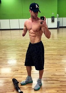 InFacts Hub: Mak Okun :  24 Year One Arm Bodybuilder
