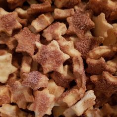 Zimtsterne mal anders Cinnamon stars with a difference Food Desserts Biscuit Nutella, Nutella Cookies, Chocolate Chip Cookies, Christmas Desserts Easy, Xmas Food, Easy Desserts, Dog Food Recipes, Cookie Recipes, Snack Recipes