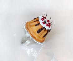 Anillo pastel cereza - polímero arcilla pastel anillo - miniatura alimentos - comida - anillo Kawaii - pastelería anillo - dulce joyería - joyería de pastel