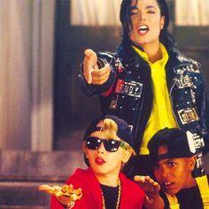 Michael Jackson w/Macaulay Culkin and ABC