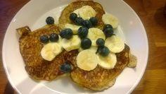 Päivän keittoheitto: Aamupala ja Alkupala: Banaani-hirssiletut ja fetaletut tomaattisalaatilla