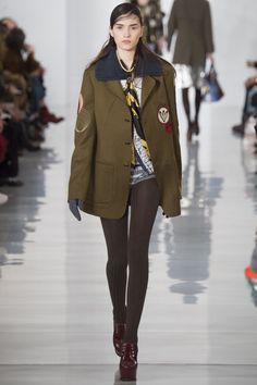 Maison Margiela Fall 2016 Ready-to-Wear Fashion Show - Irina Djuranovic