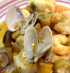 Esta receta de origen andaluz la descubrimos en el blog de Mercado Calabajío. Es una receta típica del campo de Gibraltar y según nos cu...