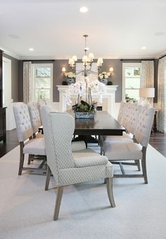 The Chic Technique: Nice Black and White Elegant Dining Room Decor. Luxury Interior Design, Home Interior, Beautiful Dining Rooms, Elegant Dining, Dining Room Decor Elegant, Luxury Dining Room, Dining Room Inspiration, Dining Room Design, My New Room