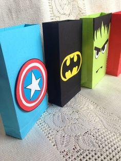 Sport party theme goodie bags 15 ideas for 2019 Superhero Party Favors, Batman Party, Superhero Birthday Party, Birthday Crafts, 4th Birthday Parties, Birthday Party Decorations, Party Themes, 5th Birthday, Hulk Birthday
