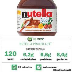 #Nutella Proteica FIT!! Depois dessa você não vai ter como fugir da #dieta!  A porção é de 2 colheres de sopa e a receita rende 8 porções!!   Ingredientes: - 100g de avelã descascada (uma casquinha ou outra sempre vai mas não tem problema) - 200ml de leite desnatado (ou leite de soja para os #veganos) - 30g de cacau em pó sem açúcar - 30g de proteína em pó (whey caseína ou proteína isolada de soja. - 9 sachês ou duas colheres de seu adoçante preferido EM PÓ (stévia sucralose açúcar magro)…