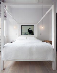 Loft apartment Laura Lakin design, modern Scandinavisch interieur | Hotel look bedroom