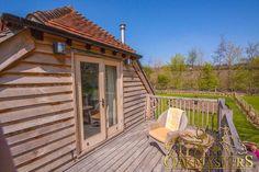 Bijou oak framed house as a retirement home in Kent - Oakmasters