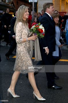 Queen Maxima of the Netherlands and King Willem-Alexander of the Netherlands cross the Marienplatz on April 2016 in Munich, Germany. King Willem-Alexander and Queen Maxima are on a two-day visit. Get premium, high resolution news photos at Getty Images Queen Pictures, Royal Clothing, Royal Brides, Queen Maxima, High Society, Bridesmaid Dresses, Wedding Dresses, Netherlands, King