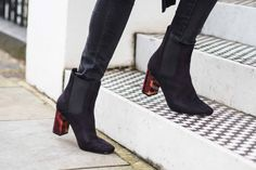 Tortoiseshell heel black ankle boots