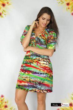Vestido decote V tecido viscose estampa reggae verde.