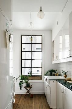 A lot of the kitchens we feature on this site are dramatic and beautiful and... well, huge. So today we've rounded up a selection of kitchens that are on the smaller side (some on the really small side) to inspire those of you who want a beautiful room for cooking, but don't have infinite space.