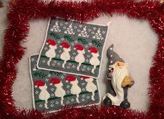 WP_20171009_18_29_36_Pro (2) Christmas Cats, Christmas Time, Christmas Stockings, Christmas Ornaments, Knitting Patterns, Crochet Patterns, Knit Stockings, Crochet Potholders, Fair Isle Knitting