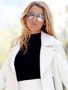 Blake Lively gave us a major case of the green-eyed monster when we saw these pictures of her on a magazine photoshoot in New York. Forget the chic ensemble, we're captivated by the mirrored, silver aviator sunglasses. So chic. DKNY has a similar style to Blake's and cost £96. Shop them at Sunglass Hut (0844 264 0860). HOW TO CHOOSE THE RIGHT SUNGLASSES FOR YOUR FACE   - Cosmopolitan.co.uk