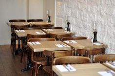 beautiful and simple restaurant design.reminds me of the long-lost New French Cafe. Restaurants, Cafe Concept, French Cafe, Restaurant Furniture, Restaurant Interior Design, Cafe Restaurant, Architecture, Decoration, Dining