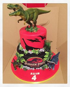 I hope you enjoy these amazing JURASSIC PARK / WORLD PARTY . Jurassic World Cake, T Rex Jurassic Park, Festa Jurassic Park, Birthday Party At Park, 6th Birthday Parties, Boy Birthday, Birthday Ideas, Dinosaur Birthday Cakes, Dinosaur Party