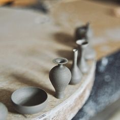 Artist Creates Miniature Hand-Thrown Pottery Small Enough to Sit on Your Fingertip - My Modern Met