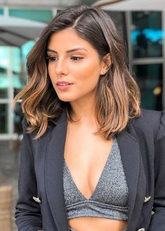 Mid Length Mixed Color Natural Straight Synthetic Hair Lace Front Wigs 18 Inches Source by pommemn Short Straight Hair, Short Hair Cuts, Straight Hairstyles, Mid Length Hairstyles, Ombre Short Hair, Edgy Bob Hairstyles, Long To Short Hair, Short Brown Hair, Hairstyles 2016