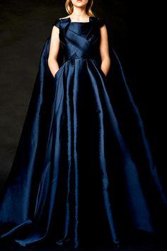Blue Dresses, Vintage Dresses, Formal Dresses, Dance Dresses, Pretty Dresses, Beautiful Gowns, Beautiful Outfits, Amazing Outfits, Beautiful Clothes