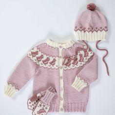 DG396-09 Pippa jakke, lue & votter | Dale Garn Knitted Flowers, Crochet Flower Patterns, Baby Knitting Patterns, Drops Design, Knitting For Kids, Hand Knitting, Crochet Bikini, Knit Crochet, Drops Baby