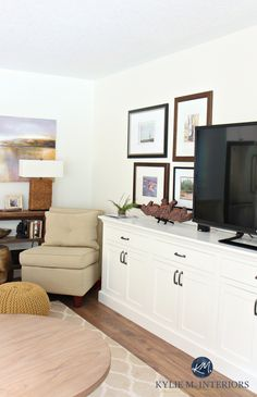 Sherwin Williams Creamy is a light paint colour to brighten a room and make it feel warmer and bigger. In living room
