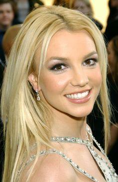 Britney Spears Photos Over The Years Hair Makeup Looks Britney Spears 1999, Britney Spears Shaved Head, Britney Spears Birthday, Britney Spears Costume, Britney Spears Outfits, Britney Spears Shirt, Britney Spears Albums, Britney Spears Photos, American Music Awards