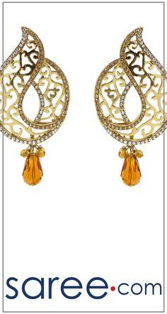 GOLDEN DESIGNER EARRING  #Jewelry #accessories #Earrings #Earringsoftheday #necklace #necklaceoftheday #necklaceset #jewelleryset #jewellerydesign #jewelleryonline #buyonline #jewellery