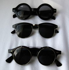 round black sunglasses, a standard.