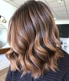 70 Flattering Balayage Hair Color Ideas for 2020 Dyi Hair Color, Diy Ombre Hair, Honey Blonde Hair Color, Light Blonde Hair, Hair Color Balayage, Brown Balayage, Haircuts For Long Hair, Long Hair Cuts, Haircut Long