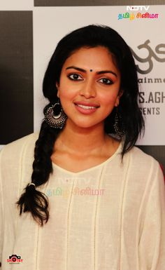 Amala Paul Celebrity Gossip, Celebrity News, Samantha Ruth, Amala Paul, Film Industry, Hollywood Celebrities, Bollywood News, Telugu, Sari