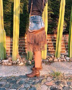 #cheyenneleather #leathergoods #suede #fringes #boho #bohostyle #gypsy #chic #handmade #cactus #madeinmexico #ootd #mood #texmex #Mexico #design #hechoenmexico #hechoamano #diseño #bohemio #moda #gamuza  #vibes #desertlife #trendy #style #nature #handcrafted by cheyenneleather #tailrs