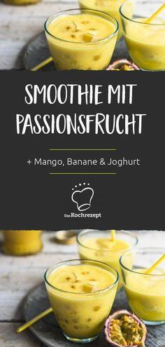 Eine ganz besondere Leckerei: Der Smoothie verwöhnt deinen Gaumen nicht nur mit Passionsfrüchten, sondern auch mit Mango, Banane und Joghurt. Wer Mango-Lassi mag, wird diesen Smoothie lieben! #smoothie #saft #mix #mischung #daskochrezept #mango #banane #joghurt #passionsfrucht #maracuja Smothie, Lassi, Cocktails, Drinks, Milkshake, Healthy Recipes, Healthy Food, Smoothie Recipes, Cantaloupe
