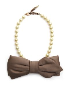 Rada-big-bow-and-pearl-necklace-