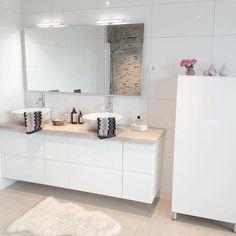 peinture-pour-carrelage-salle-bain-blanche-assortir-meuble-sous-vasque