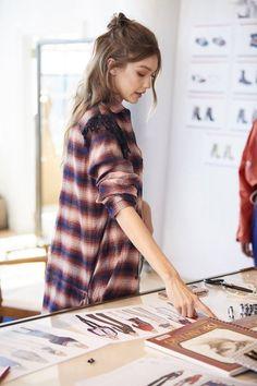 Fashion Street Casual Purses New Ideas Gigi Hadid Looks, Gigi Hadid E Zayn, Estilo Gigi Hadid, Gigi Hadid Outfits, Gigi Hadid Style, Little Girl Models, Bella Hadid, Style Icons, Celebrity Style