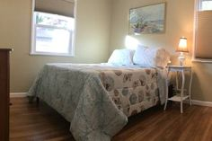 Check out this awesome listing on Airbnb:  Private Room in Cozy Beach Cottage  Bird Room  - Houses for Rent in San Diego