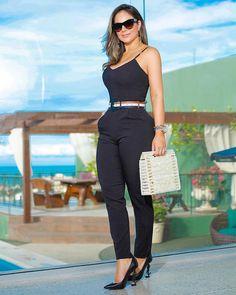 """753 curtidas, 17 comentários - Mená Brasil Atacado (@menabrasil) no Instagram: """"Detalhes. 💖 #usemená #ootd #mood ▪️Vendas em atacado através do número (085) 99777-8685 ▪️ Valores…"""" Cute Swag Outfits, Simple Outfits, Trendy Outfits, Girl Fashion, Fashion Outfits, Womens Fashion, Casual Work Outfit Summer, Business Professional Outfits, Ideias Fashion"""