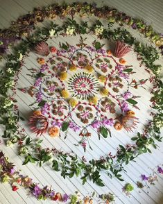 one day I hope I can manifest creating an amazing nature mandala like this Land Art, Wicca, Magick, Witchcraft, Arte Fashion, Deco Nature, Art Sculpture, Witch Aesthetic, Crystal Grid