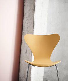 New Colours of the Series 7 chairs by Fritz Hansen http://www.skandium.com/media/catalog/product/cache/1/image/9df78eab33525d08d6e5fb8d27136e95/3/6/3639_1.jpg