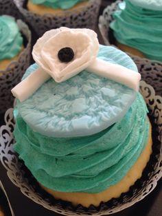 Tiffany Blue TuttiFrutti buttercream engagement cupcakes