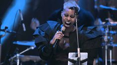 Skunk Anansie-You Do Something To Me (Live In London An Acoustic) - YouTube
