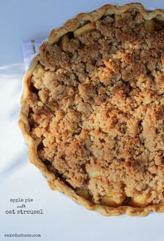 apple pie with oat streusel |cakeduchess