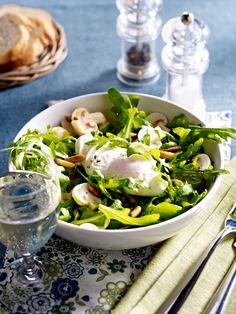 Clean Eating setzt auf unverarbeitete Lebensmittel, wie Obst, Gemüse und Eiweißprodukte. Eine Diät, bei der man nicht nur abnimmt, sondern