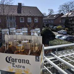 Ausblick vom Balkon. Gibt schlimmeres  #corona #homeoffice Alcoholic Drinks, Wine, Glass, Instagram, Food, Corona, Flasks, Balconies, Drinkware