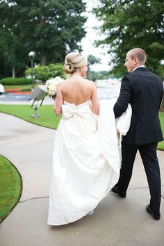 Photography: Britta Photography - britaphoto.com Read More: http://www.stylemepretty.com/2013/10/15/georgia-wedding-at-the-dunwoody-country-club-by-brita-photography/
