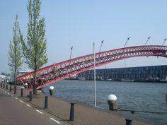 Amsterdam-Pedestrian-Bridge